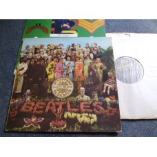 THE BEATLES - SGT PEPPERS LONELY HEARTS CLUB BAND LP - EXC/VG+ FIRST PRESS UK MONO